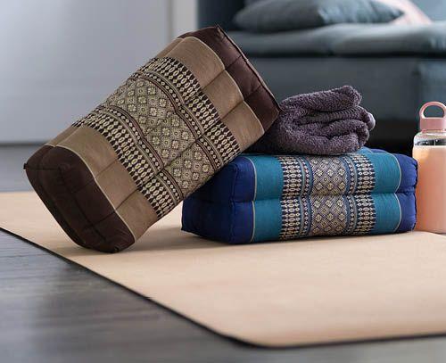 Banner Yoga cushions